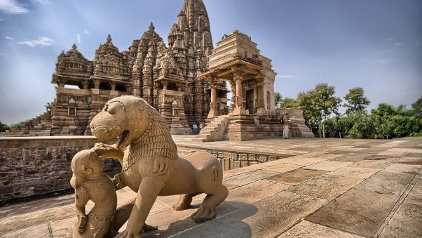 Sculpture of Khajuraho temples