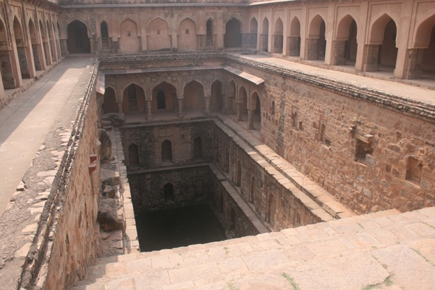 Baoli in Red FOrt
