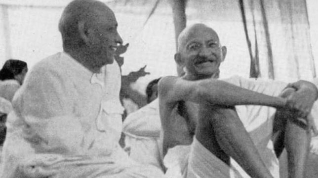 Sardar Vallabhbhai Patel with Mahatma Gandhi
