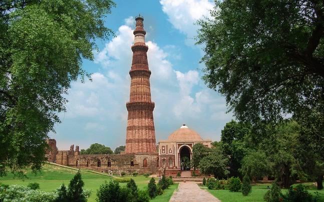 Qutb Minar under the architecture of Delhi Sultanate